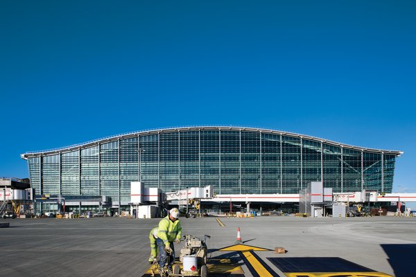 The exterior of Heathrow's Terminal 5, a $6.5-billion addition to the ailing London airport, gives no sign of the huge open spaces and structural pyrotechnics within.