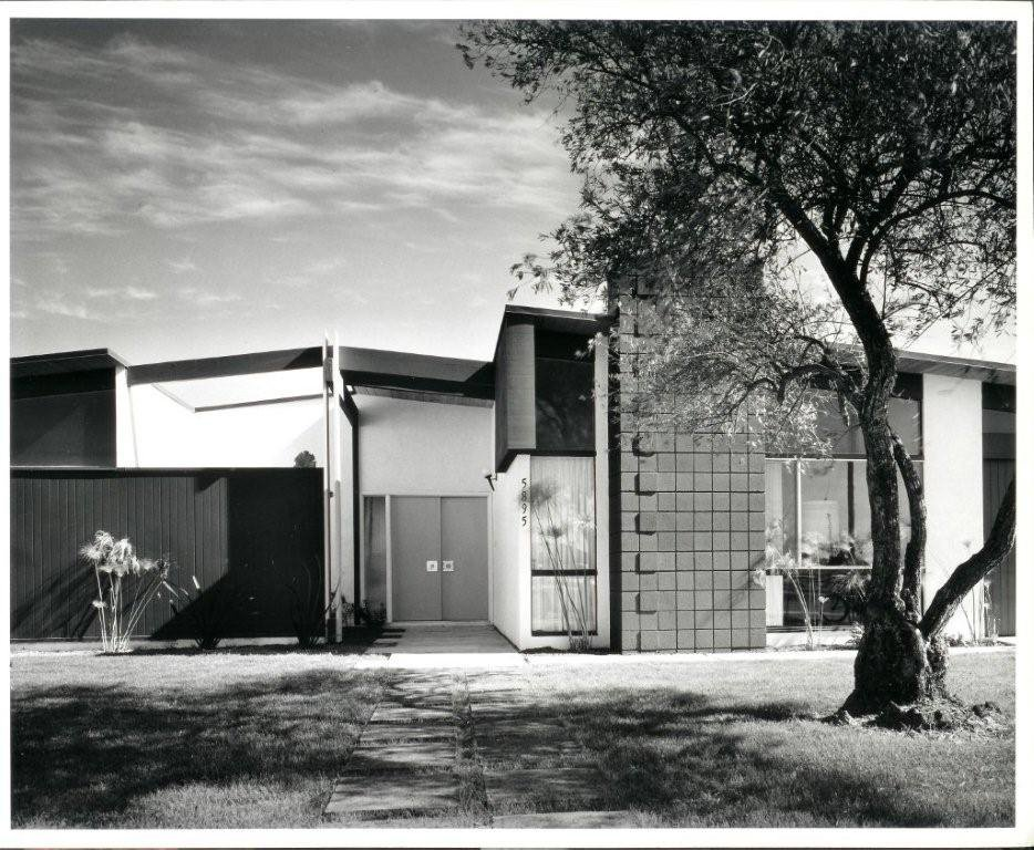 La Jolla Scenic Heights by William Krisel.  Photo 7 of 9 in Iconic California Midcentury-Modern Architect William Krisel Dies at 92 from Q&A with Illustrious California Architect William Krisel