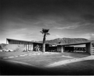 Twin Palms Estate and its classic butterfly roof by William Krisel in Palm Springs