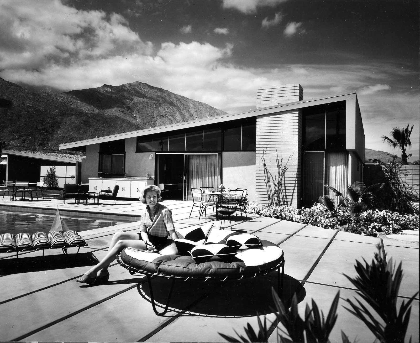 Twin Palms by William Krisel.  Photo 5 of 9 in Iconic California Midcentury-Modern Architect William Krisel Dies at 92 from Q&A with Illustrious California Architect William Krisel
