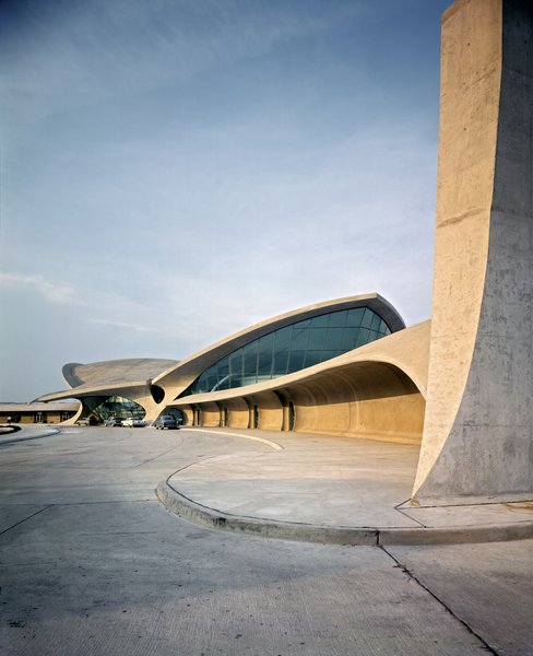 An Introduction to Airport Design - Photo 2 of 5 - TWA Terminal, JFK Airport, New York CIty
