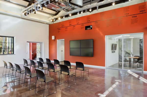 Inside, the team from Gensler redesigned the building's existing layout to allow for flexible spaces that can be reconfigured for varied uses, like seminars, workshops, exhibits, public forums, and cultural and social events.<br><br>Photo by <br><br>Bilyana Dimitrova, Courtesy of the Beacon Institute for Rivers and Estuaries