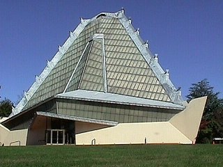 Harboe's Marks - Photo 4 of 4 - Beth Shalom Synagogue in Elkins Park, Philadelphia, built in 1954 by Frank Lloyd Wright.