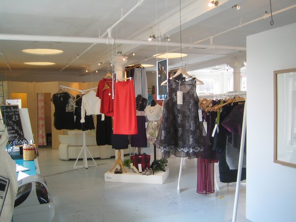 I liked Che Camille quite a bit. Anyone interested in getting off the chain store fashion circuit is advised to drop in.