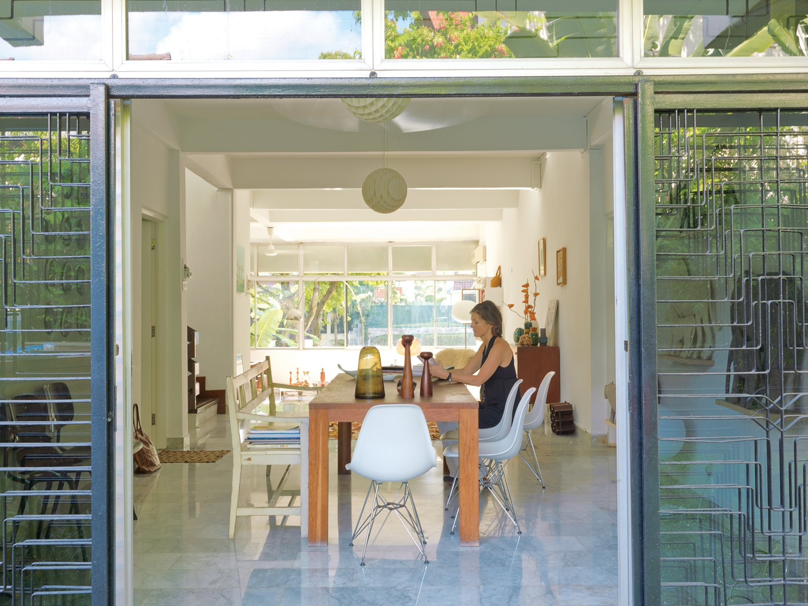 Singaporeans tend to keep their homes airtight, but Nicolette de Waart prefers to bring the outdoors—–and her Dutch design aesthetic—–in.  Photo 1 of 11 in A Family Moves from Netherlands to Singapore