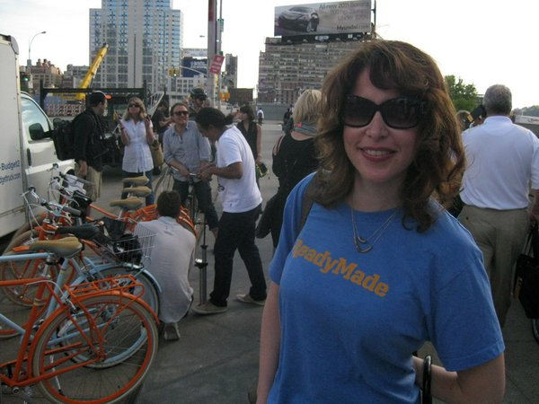 My pal Heather Wagner, a Dwell contributor and wife of Readymade editor-in-chief Andrew Wagner, came along to pick her husband's bike.