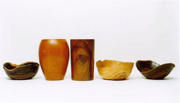 Assorted Carmona vases, including the Paxiuba and Bojudo, and bowls, such as the Governador and Marina.