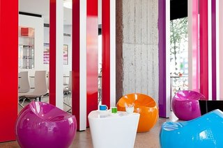 A Pantone Hotel for the Color-Obsessed - Photo 3 of 10 -