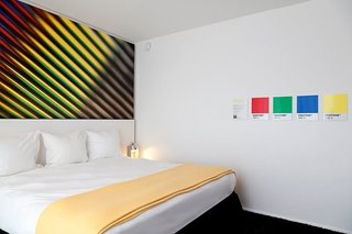 A Pantone Hotel for the Color-Obsessed - Photo 8 of 10 -