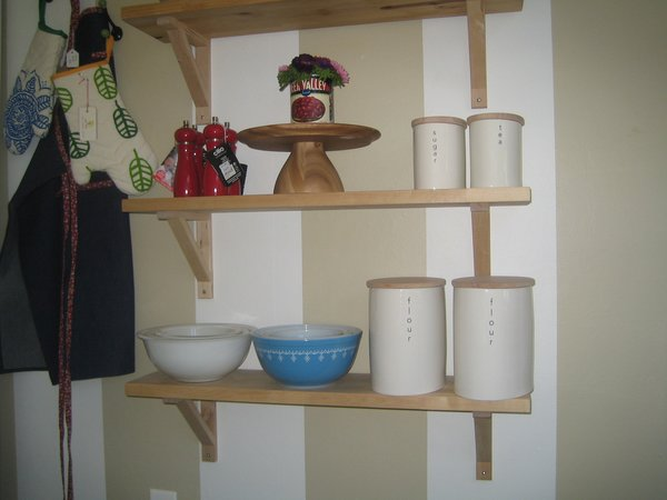 I love these Ovation canisters from the British ceramicist Wade.