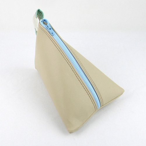 Zaum's Tetra media accessory bag, measuring in at 5.75-inches-by-eight-inches.