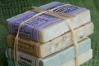 Honey Pie Natural Shampoo Bar - Photo 4 of 4 -