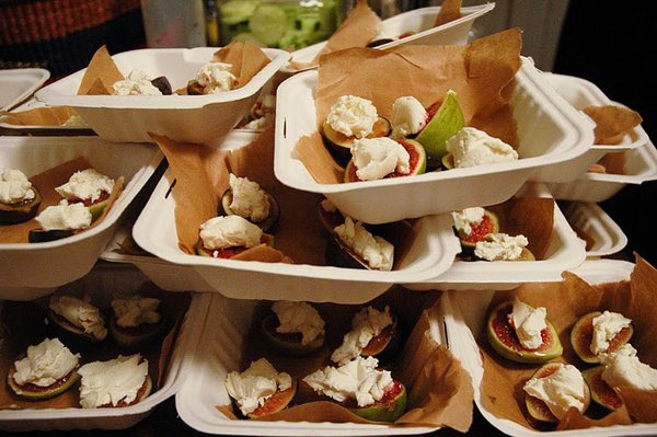 Maggie Wilson Events serves seasonal black figs with local goat cheese and balsamic glaze to enhance the exhibition experience.