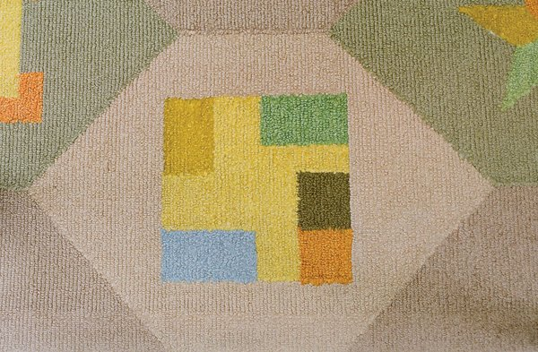 Girard even integrated the floor plan of the house into the TV room rug design. Photo 17 of Miller House in Columbus, Indiana by Eero Saarinen modern home