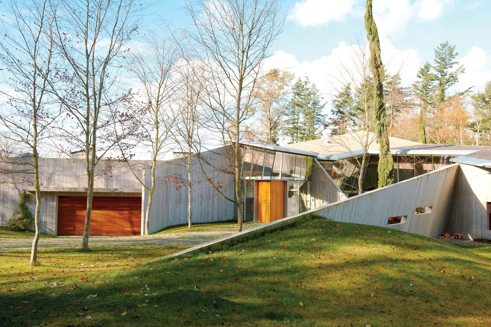 232 House Modern Home in Canada by Omer Arbel Office Inc on Dwell