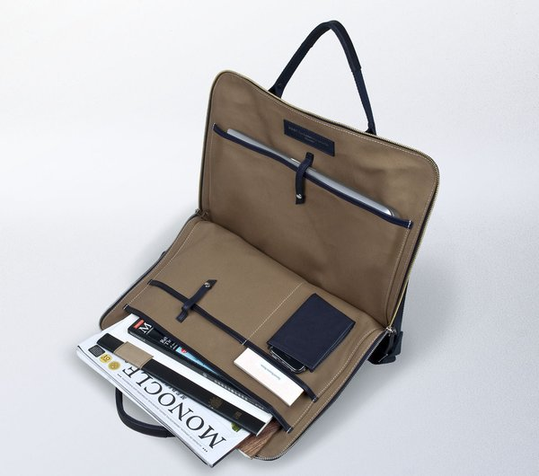 One qualm I had was that a large-screened laptop wouldn't fit in the appointed sleeve, meaning that this bag is a better bet for those of you with more compact computers.