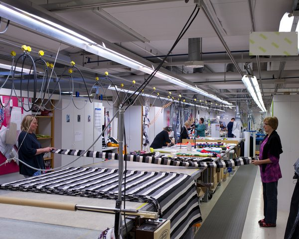 If the fabric passes, it is cut and rolled into bolts, ready for displaying in stores or turning into garments, bags, cushions, tablecloths, and other Marimekko products.
