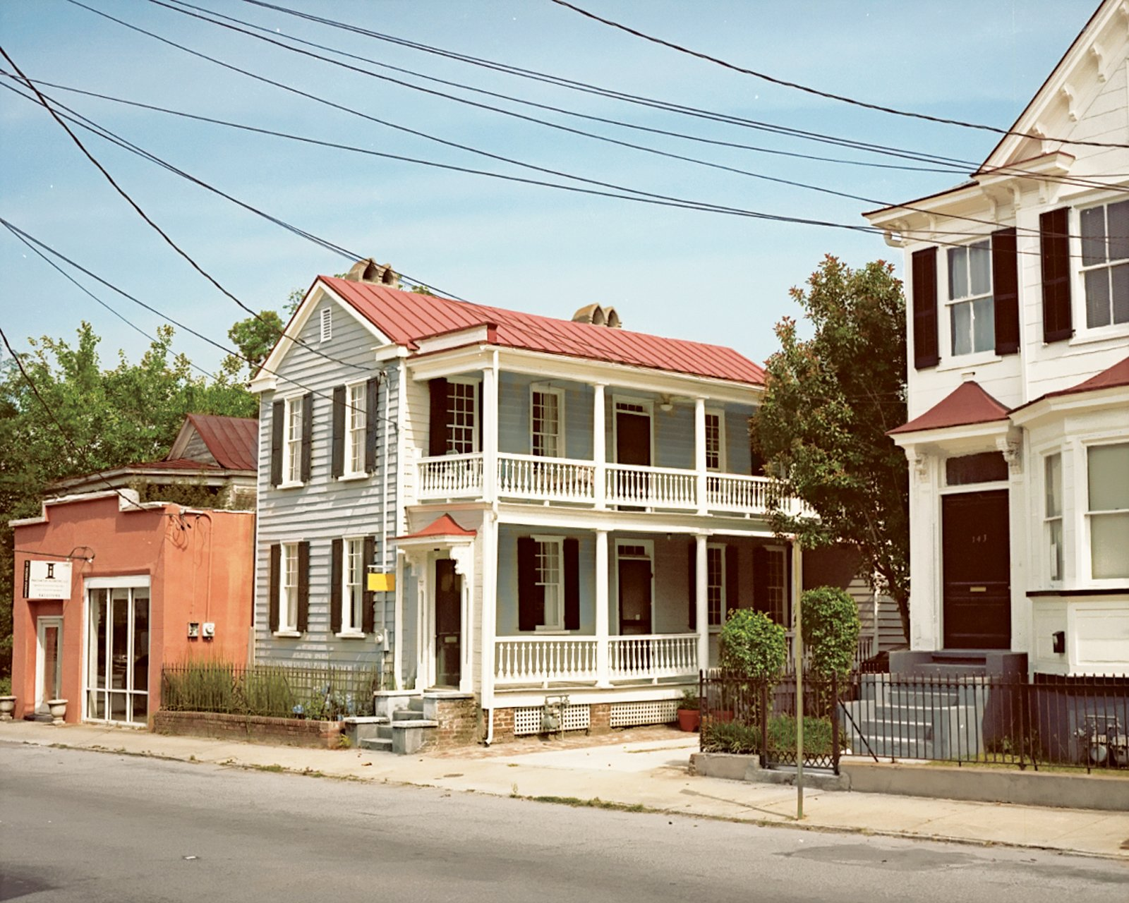 "The nineteenth-century structure is commonly known as a classic ""Charleston single""."
