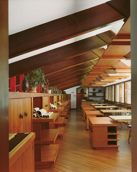 The drafting room is austere, though well lit and full of impressive joinery.<br><br>Photo by: Balthazar Korab