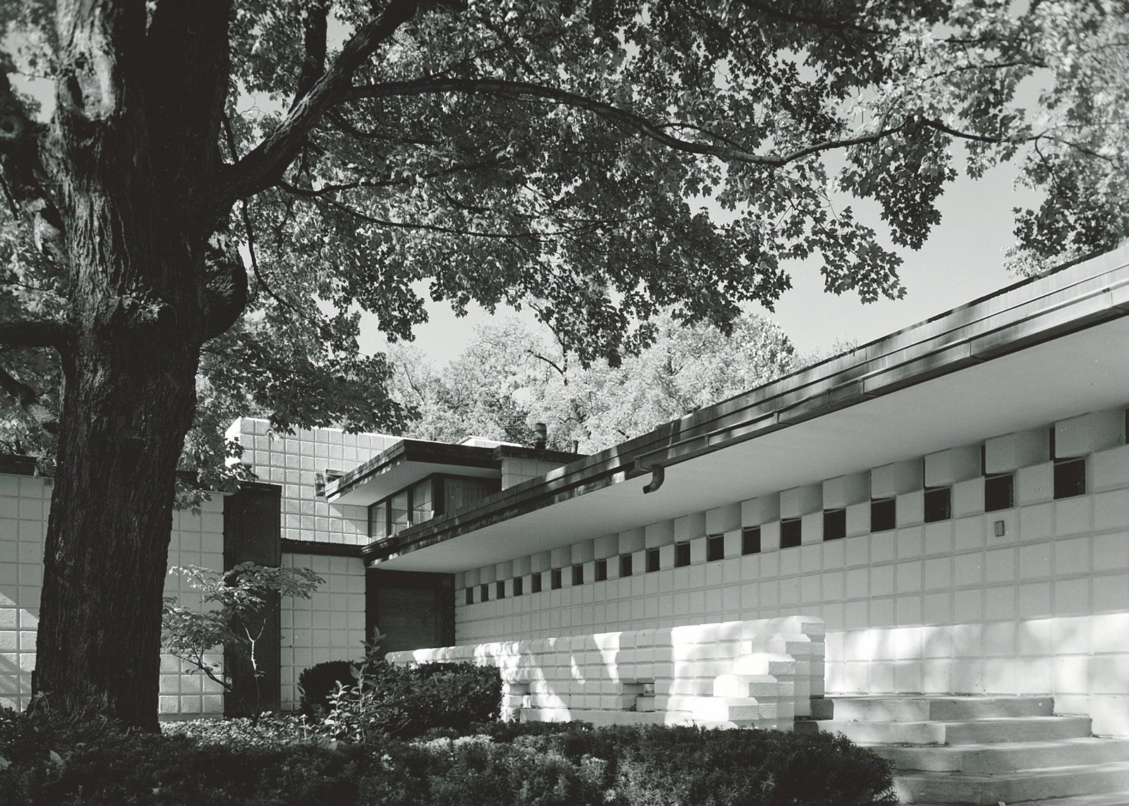 The Pardee House in Midland is an example of Dow's work with the unit blocks that would define much of his early career.  Photo 11 of 28 in Hometown Hero