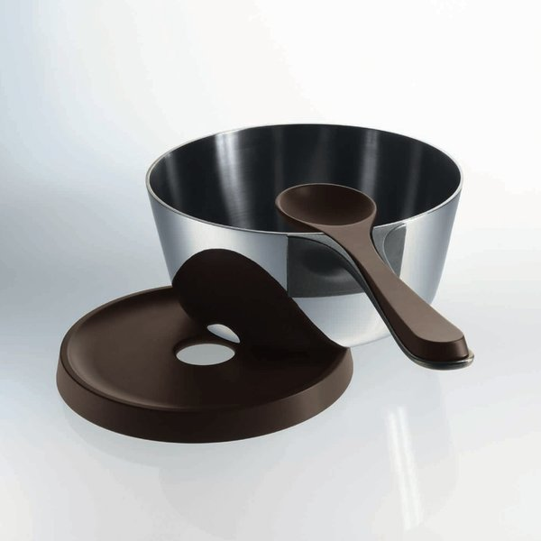 The spoon that comes with the Pasta Pot fits into the handle, eliminating the need for a spoon rest.