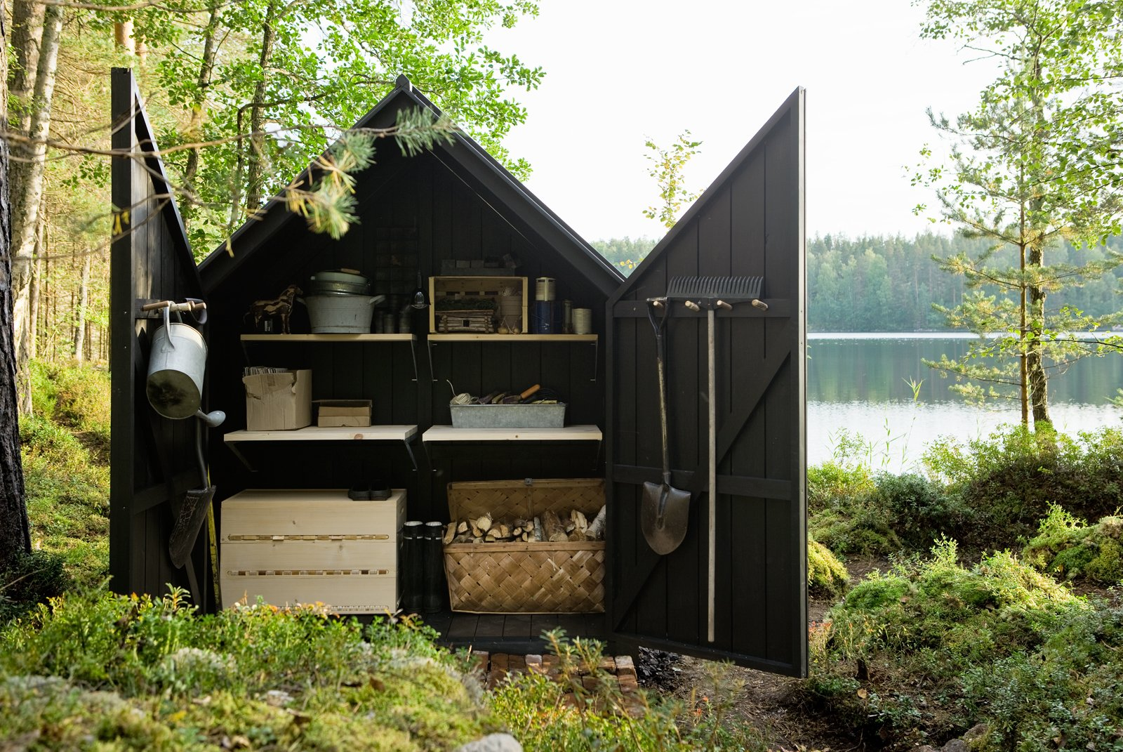 The wood shed portion artfully encapsulates all the domestic detritus that would be anathema within the all-glass sleeping portion. Tagged: Shed & Studio and Storage Space. Shedded Bliss - Photo 2 of 3