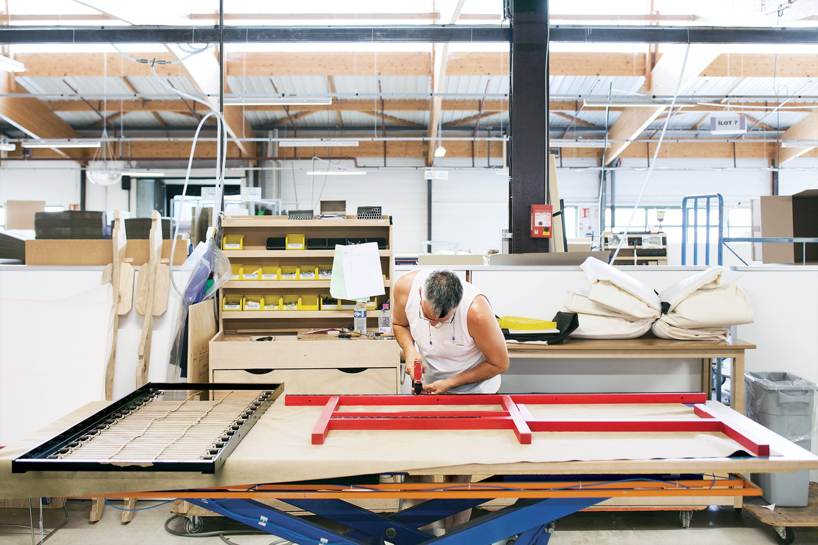 Any wood waste generated in Ligne Roset's manufacturing process is used to heat the company's factories in the winter. Leather scraps are sold to make boots and wallets.