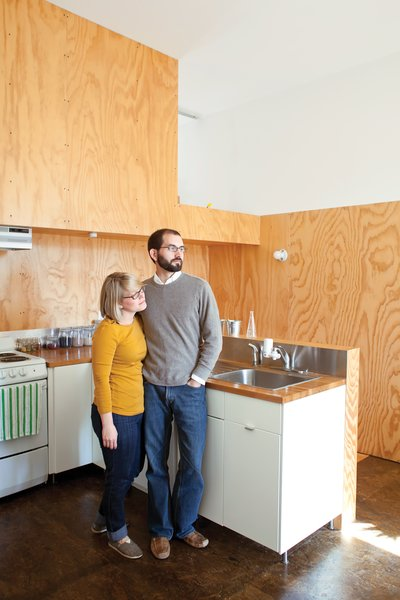 Their tenants include veterinary student Leslie Carter and intern architect Brad Raines.