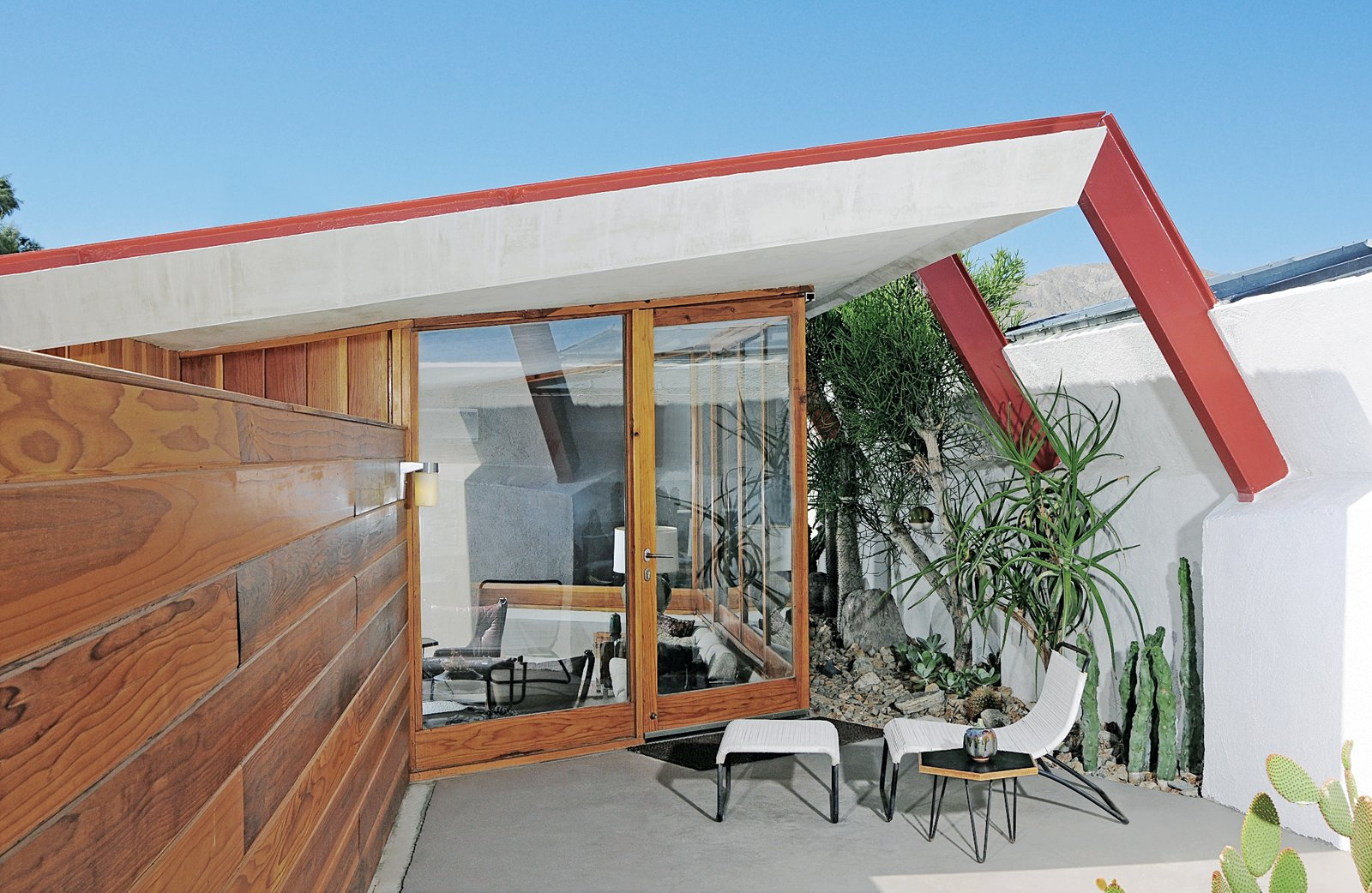 Each of the four units has a private patio. Tagged: Exterior, Mid-Century Building Type, and House.  Photo 2 of 5 in John Lautner's Desert Rose