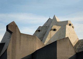 Three Buildings: Andrew Maynard - Photo 4 of 4 -