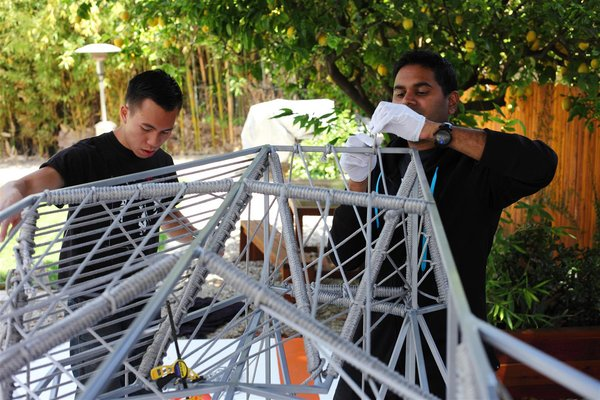 We determined the number of rope per section by subdividing the frame to see how it fits. Photo by Clifford Ho.