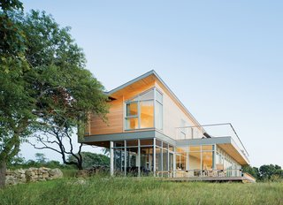 Modern Martha's Vineyard Retreat - Photo 2 of 2 -