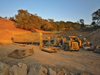 Ingenious New Building Method Replaces Concrete Block with Rammed Earth - Photo 3 of 10 -