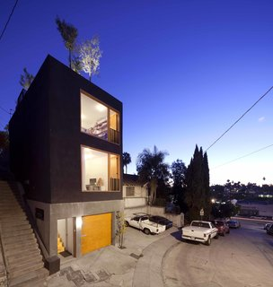 Home and Studio Maximizes Very Narrow Site in Echo Park - Photo 1 of 9 -