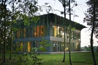 Philippe Starck Dreams Up Super Green Prefab System - Photo 4 of 7 -