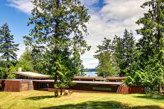 An Off-the-Grid Island Home for a Seattle Music Producer - Photo 16 of 16 -