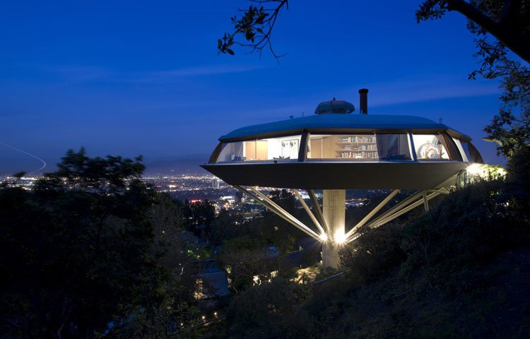 New interior finishes, furniture, and a guesthouse were part of the restoration/renovation of John Lautner's Chemosphere, a 1960s house that makes frequent cameos in film and television.