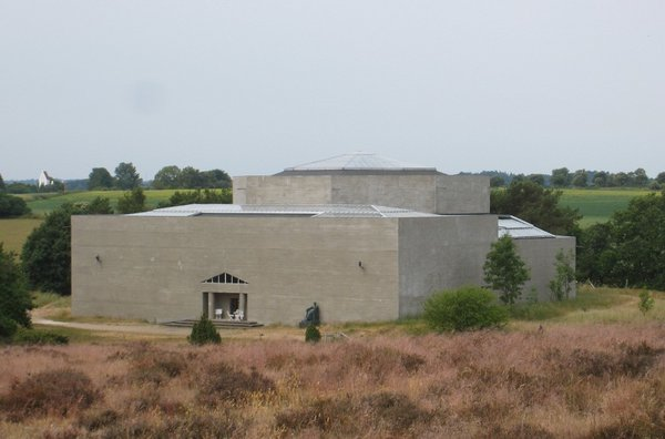 The Rudolph Tengers Museum houses a collection of the sculptor's work in a building he designed.