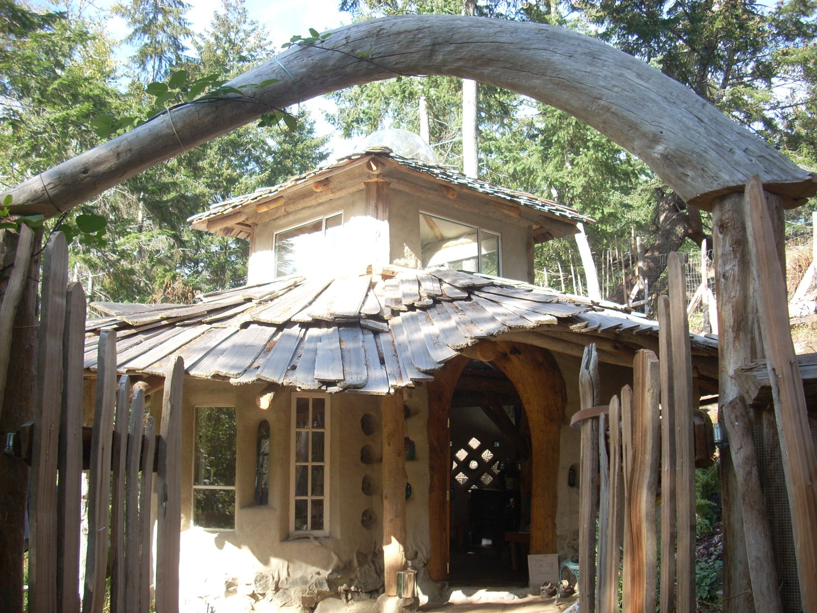 Here's an example of a cob house. Photo courtesy of Jen Gobby. Mud Mavens: Mud Girls Founder Jen Gobby - Photo 1 of 5
