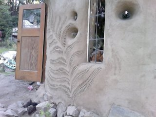 Mud Mavens: Mud Girls Founder Jen Gobby - Photo 4 of 5 - A fern design is emblazoned on a client's home. Photo courtesy of Jen Gobby.