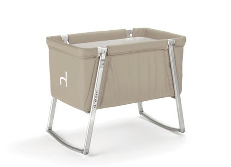 Babyhome is a Barcelona-based company that is entering the US market. Their portable crib, which has sleek and functional design, is lightweight and perfect for traveling. Photo from Babyhome.