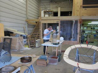 The Making-of Balloon Bowls - Photo 2 of 4 -