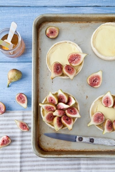 Gluten-free Fig and Goat Cheese tart from Tartelette.