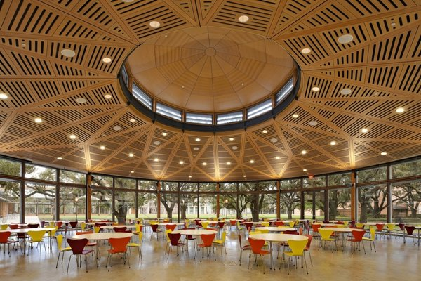 The interior of a dining pavilion on Rice University campus by Hanbury Evan Vlattas Rice Company.