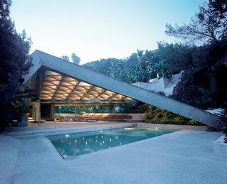 Phaidon's 20th Century World Architecture Atlas - Photo 1 of 3 - This is John Lautner's Sheats House from 1963.