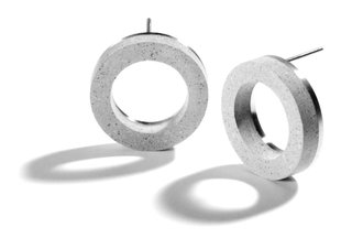 The Wearable Architecture of Karen Konzuk - Photo 3 of 7 - The KME192 earring set is a playful modernist's take on the traditional hoop earring.