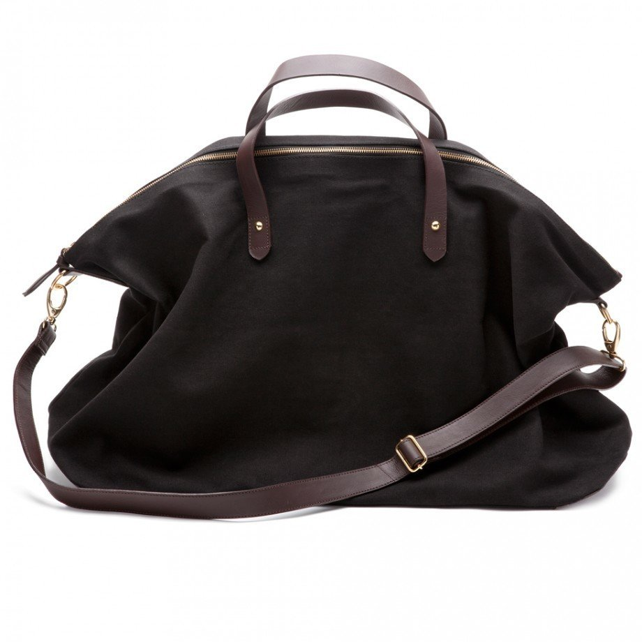 Cuyana's weekend bag: simple, yet oh-so-perfect. Even the choosiest lady can't resist canvas, leather, and black. ($120)