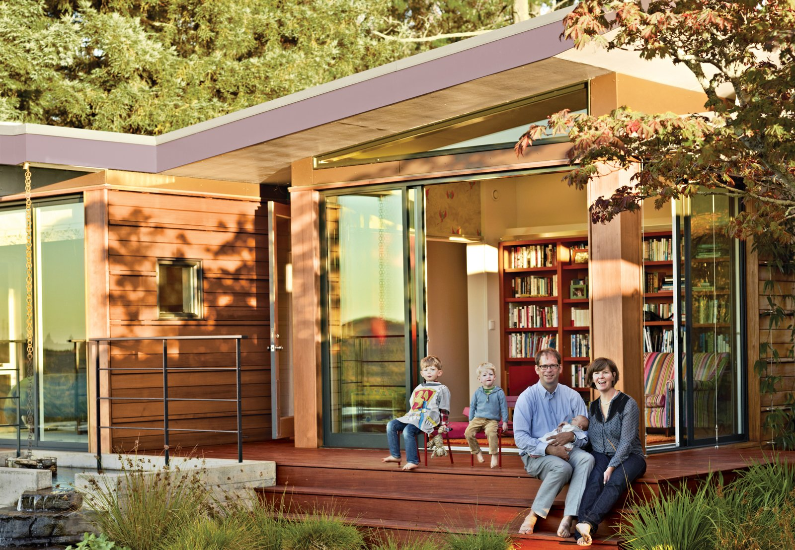 A modern prefab addition to a mid century california for Mid century modern prefab homes
