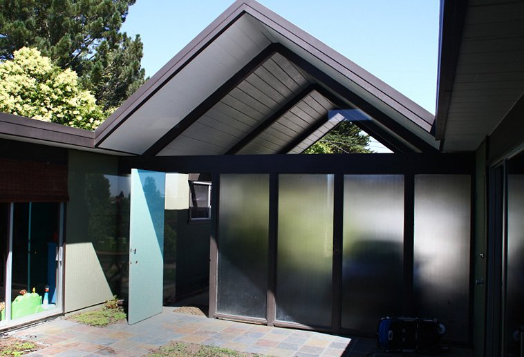 Photo 2 of 9 in People in Glass Houses: The Legacy of Joseph Eichler