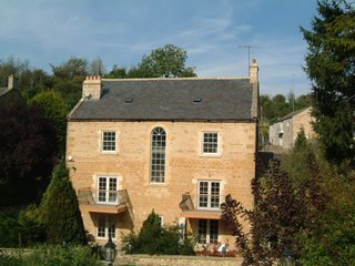 In the Cotswolds, History Dictates Design - Photo 2 of 12 -